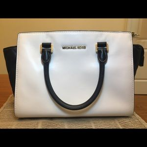 Michael Kors Selma white and black leather bag